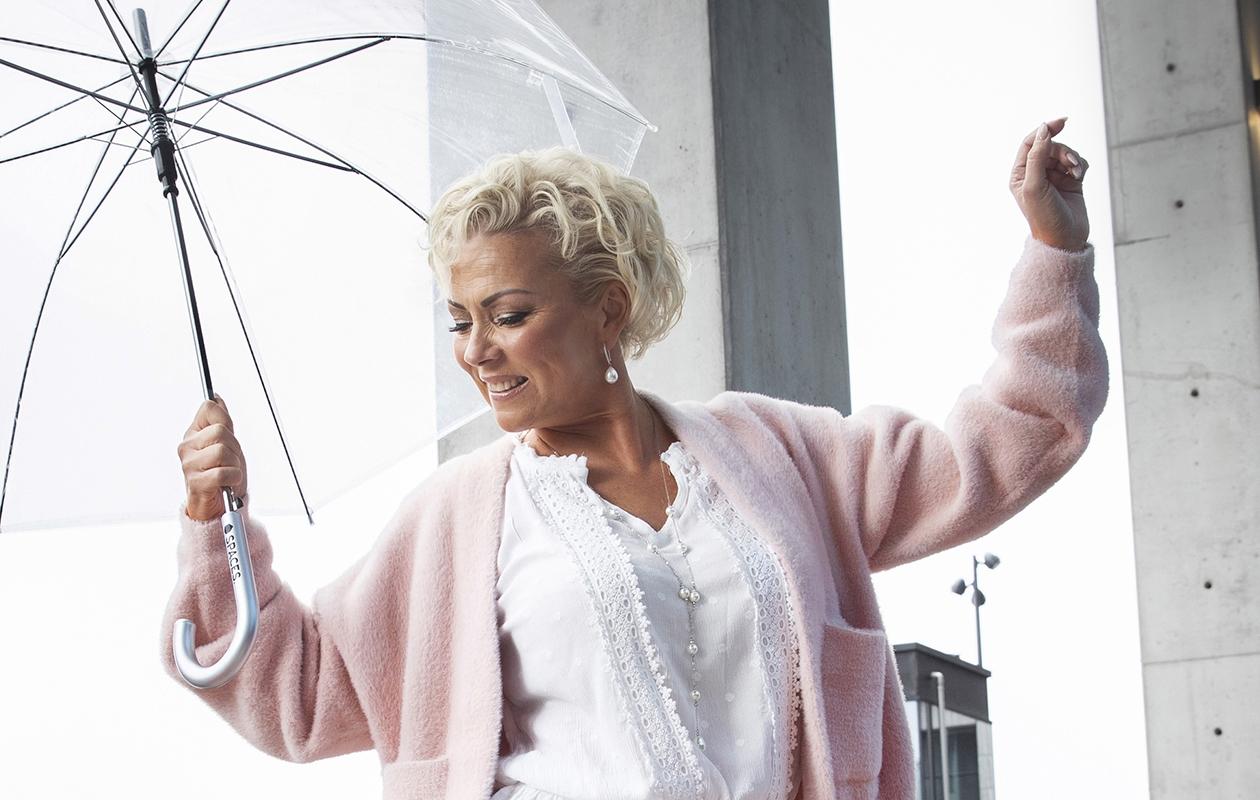 Helena Ahti-Hallberg: Salmarakastuminen johti hyvään avioliittoon