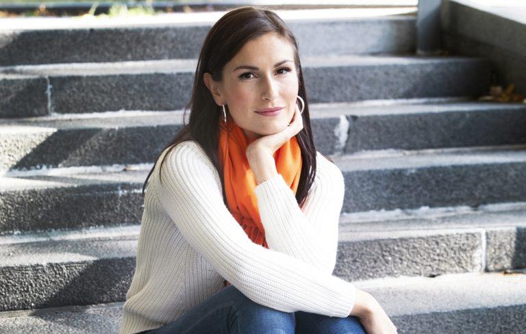 Näyttelijä ja laulaja Maria Lund on helmikuusta lähtien ollut uusperheen äiti.