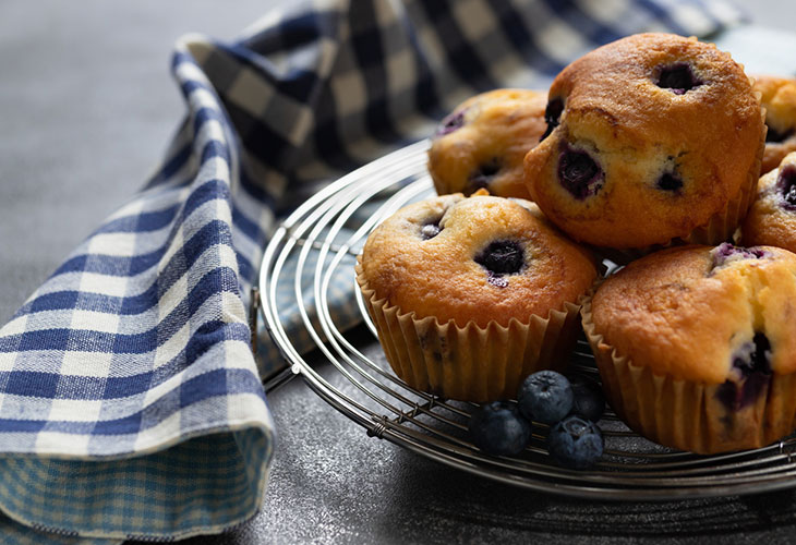Ketoreseptit toimivat hyvin myös brunssilla. Kuvassa mustikkamuffineita.