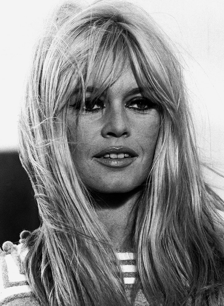Otsatukat kuuluvat edelleen vuoden 2020 hiusmalleihin. Kuvassa näyttelijä Brigitte Bardot.