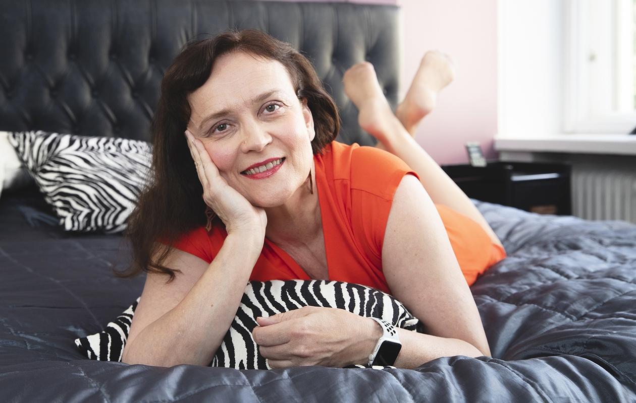 Leena Väisälä puhuu aikuisten naisten vireän seksielämän puolesta.