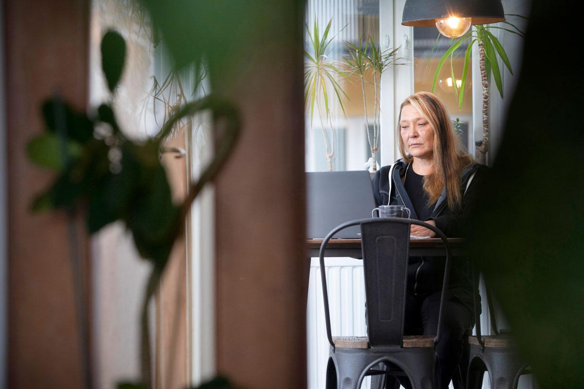 Ennen yrittäjäksi ryhtymistään Mia Ljungqvistilla oli jo seitsemän ammattia. – Olen tehnyt työtä tarjoilijana, lähihoitajana, pankkitoimihenkilönä ja toimistovirkailijana. Lisäksi olen tallimestari, hevosvalmentaja ja ratsastuksenopettaja.
