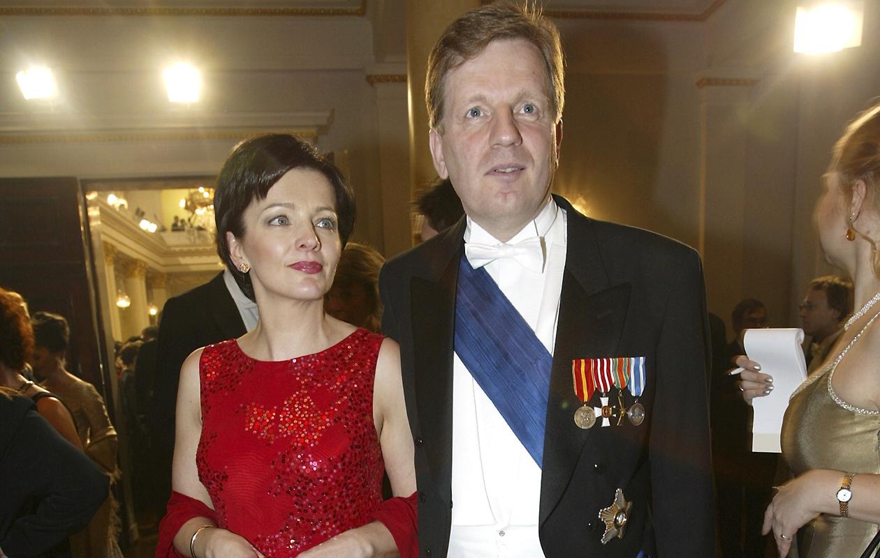 Esko Aho ja Kirsti-vaimo Linnan juhlissa vuonna 2002.