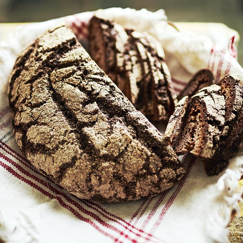 Rauni on järjestänyt myös ruisleivän leipomiskursseja.