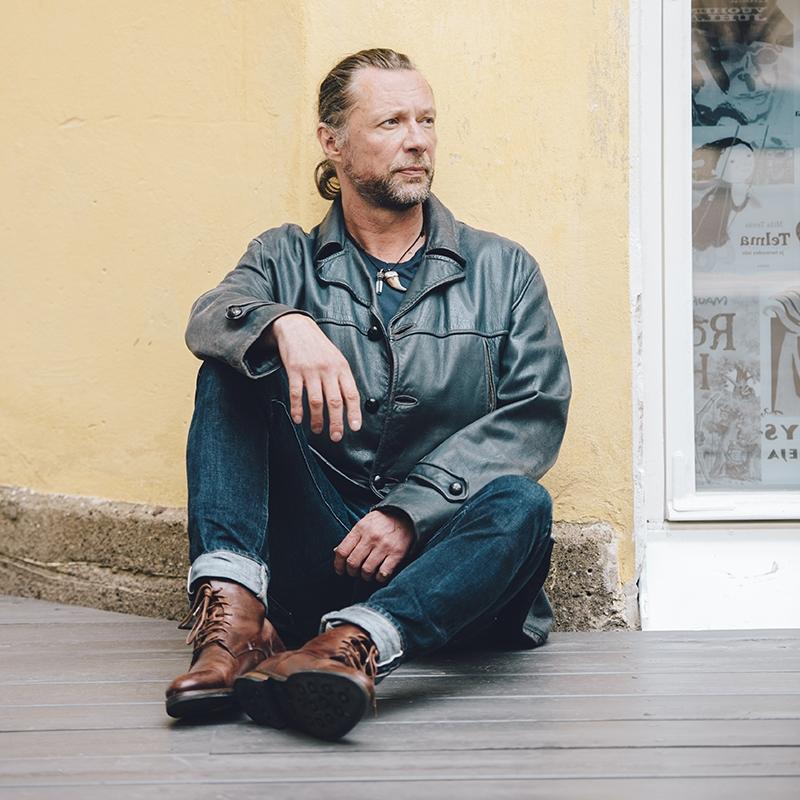 Antti Reini tiesi jo teini-iässä, ettei ole kahdeksasta neljään -tyyppiä.