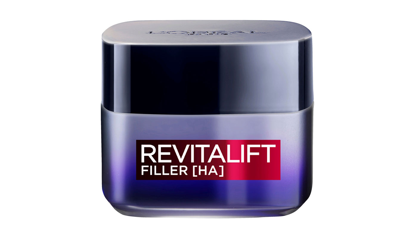 L'Oréal Paris Revitalift Filler anti-age -yövoide täyteläistää ihoa. Levitä kaulalle ja dekolteelle ylöspäin suuntautuvin liikkein, 50ml 20e.
