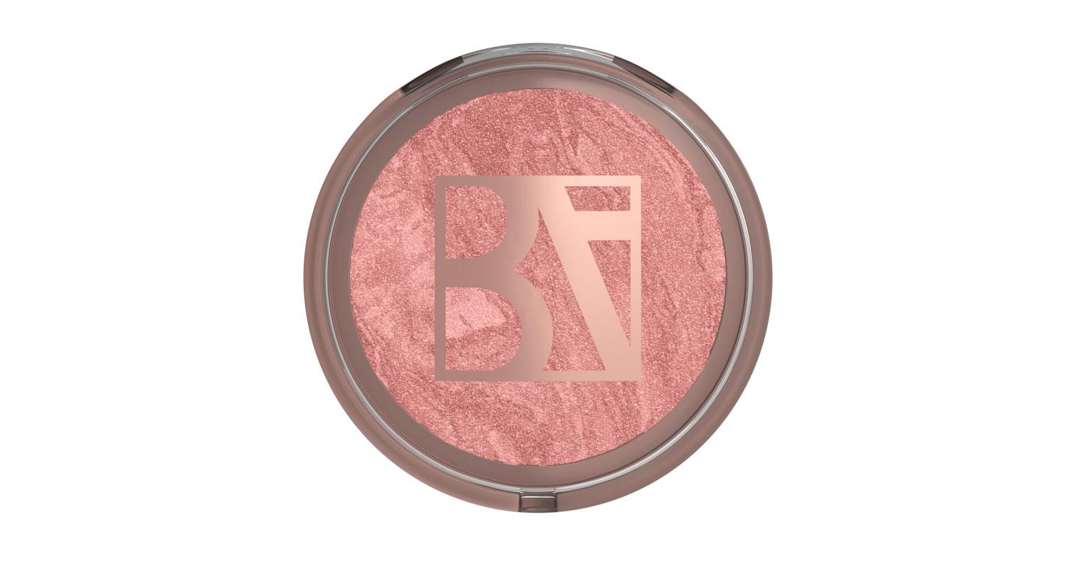 BeautyAct Healthy Radiance Baked Blush Forever Blushing -poskipunassa on runsaasti pigmenttiä, joten sillä saa halutessaan vahvemmankin punauksen, 20 e.