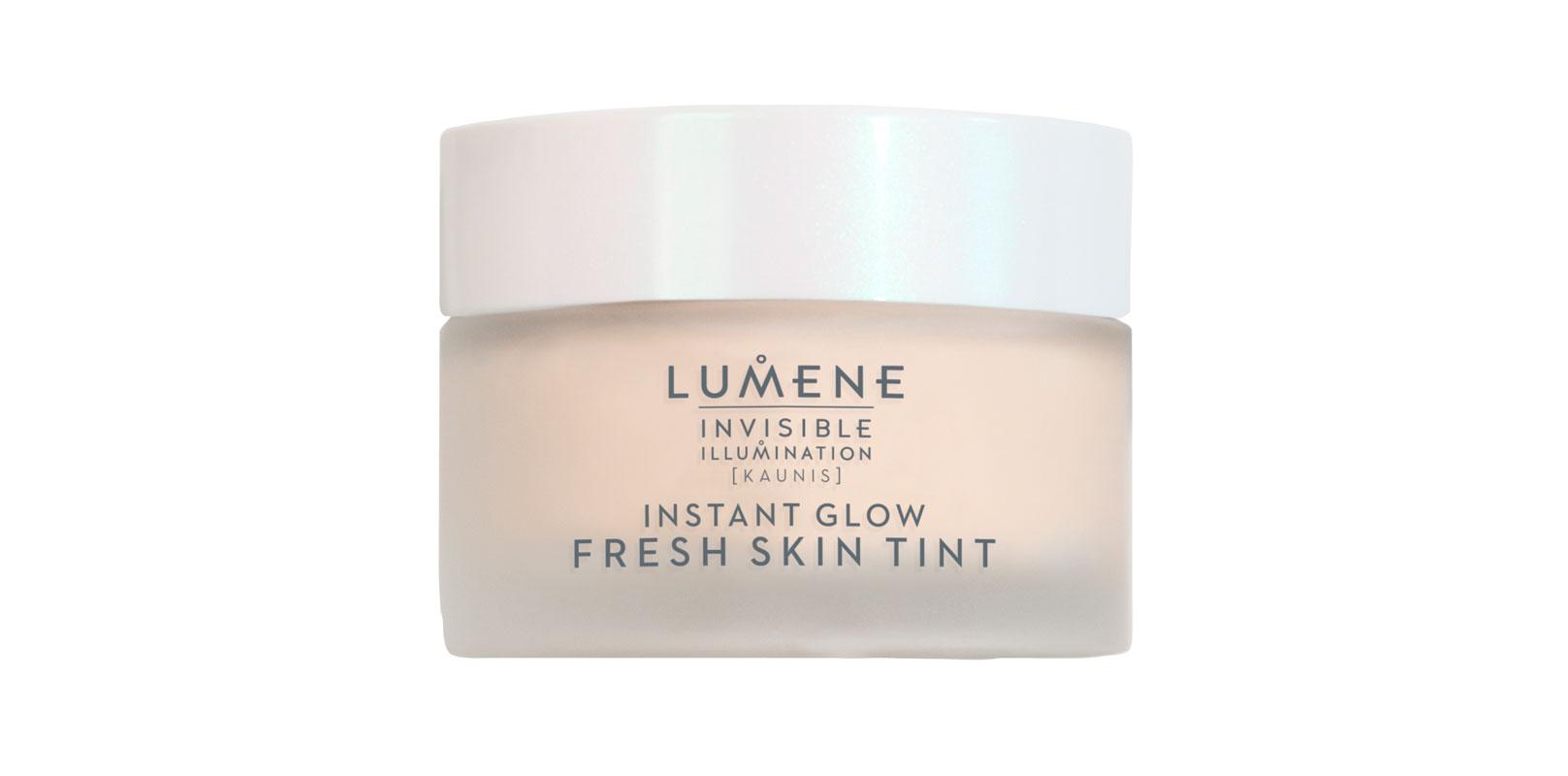 Lumene Invisible Illumination Instant Glow -sävyvoide yhdistää ihonhoidon ja meikin. Sen geelimäinen koostumus heleyttää ja kosteuttaa ihoa, 35 e.