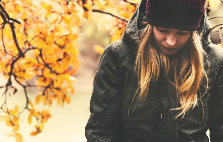 Syysväsymys eli kaamosoireilu on osa jopa 10-30 prosentin suomalaisista elämää. Tällöin kyse on kaamosmasennusta lievemmästä kaamosrasituksesta.