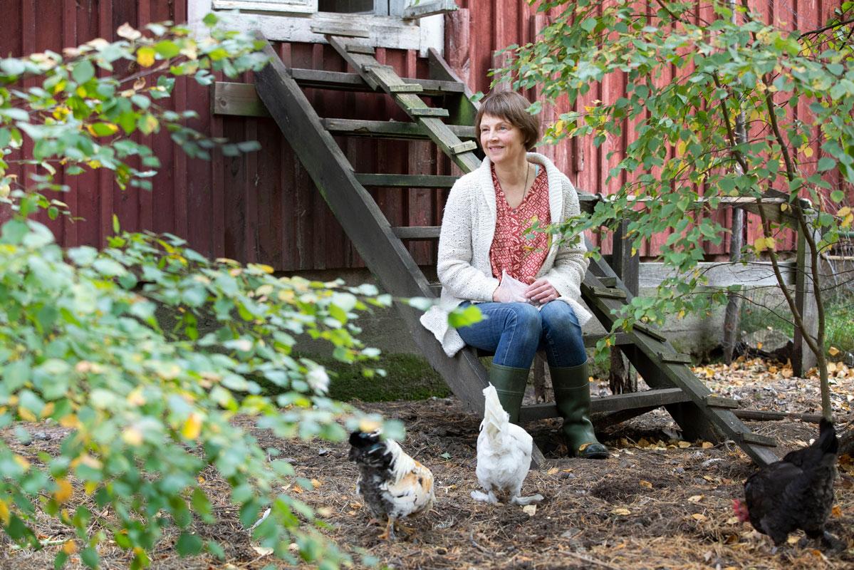 – Olen ammatiltani lähihoitaja, mikä on auttanut ratkaisuani, Helen Kajander sanoo. – Hoitotyötä saa miltei mistä päin Suomea tahansa.