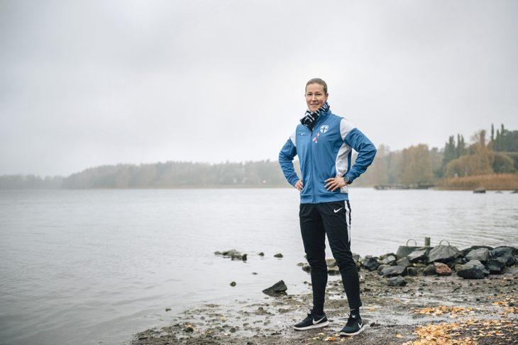 Tinja-Riikka menestyi jalkapallossa jo lapsena, ja se on auttanut häntä eteenpäin uralla.