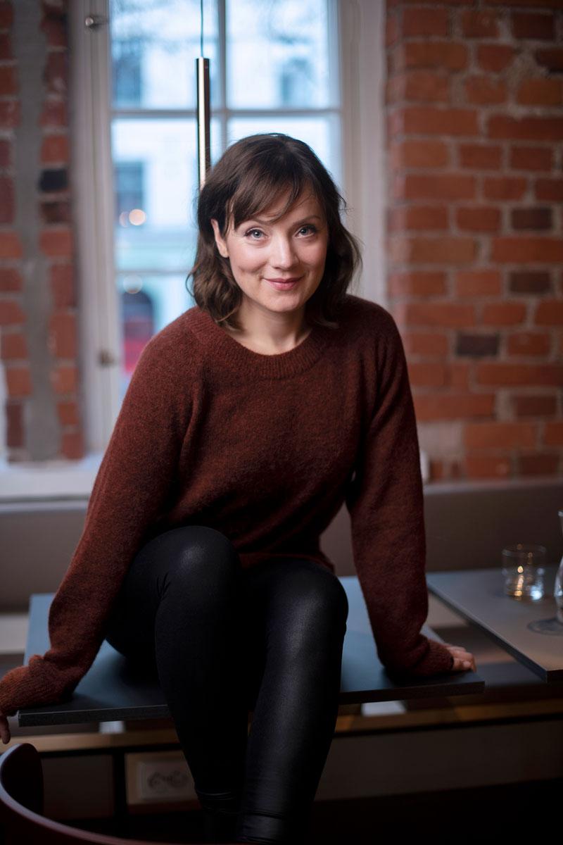 Elena Leeve kuvaa vuoden päästä televisioon tulevaa Maria Kallio -sarjaa nyt neljänä päivänä viikossa.