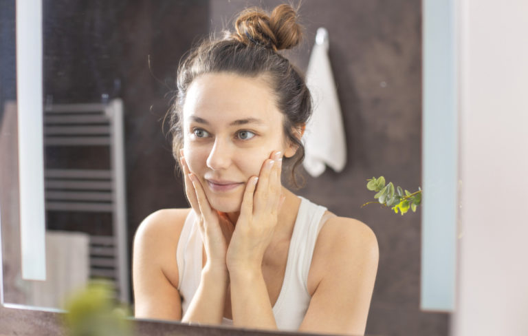 Kerrostaminen auttaa ihonhoitotuotteita toimimaan tehokkaammin.