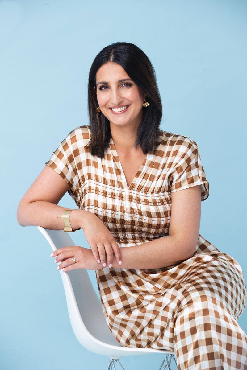 Nasima Razmyar ajattelee, että kauneuteen ja kepeyteen ulkonäössä ja sisustuksessa kannattaa satsata.