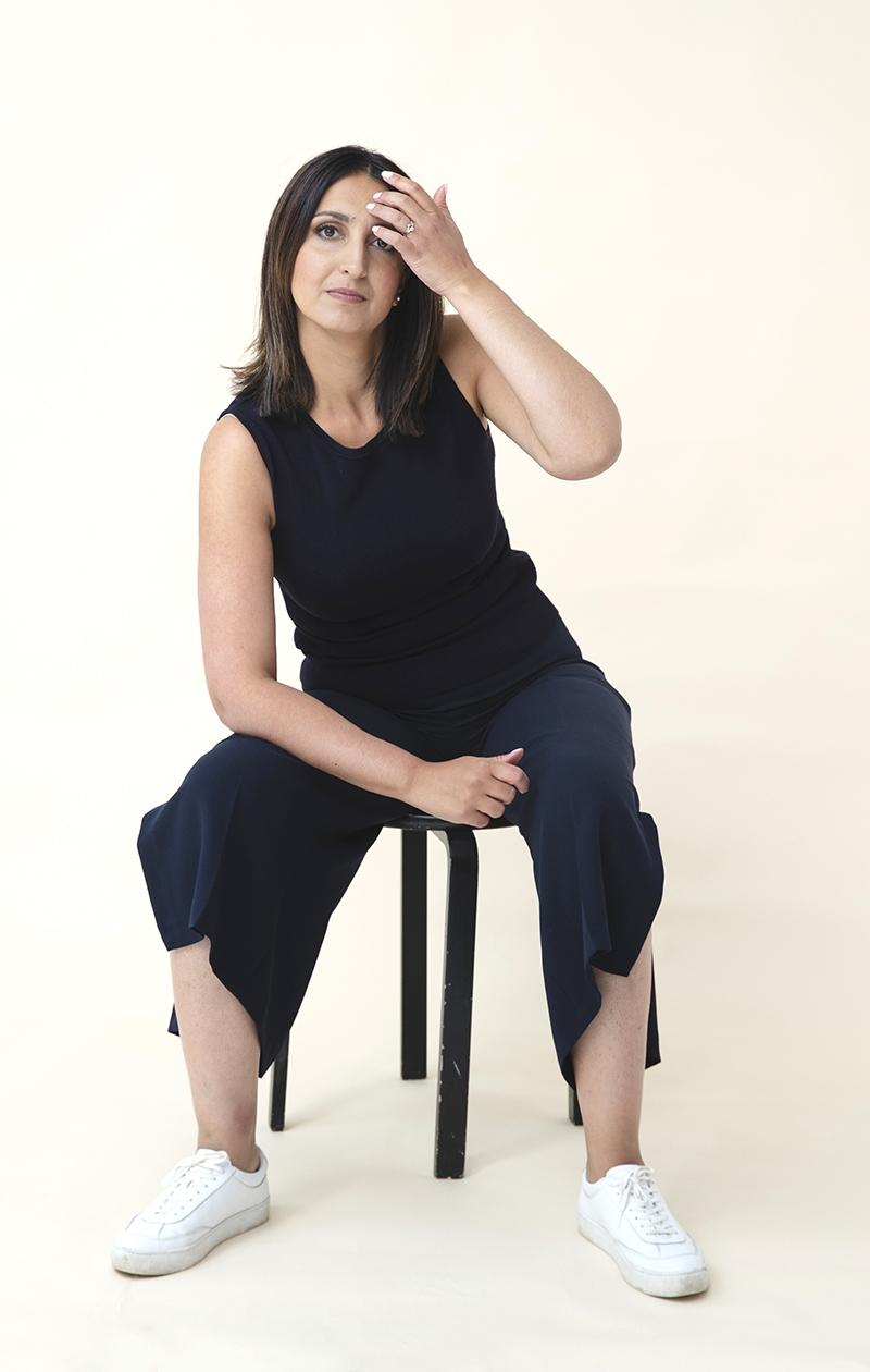 – Kahden pienen lapsen äitinä nautintoni ovat todellakin erilaisia kuin parikymppisenä sinkkuna, Nasima Razmyar sanoo.