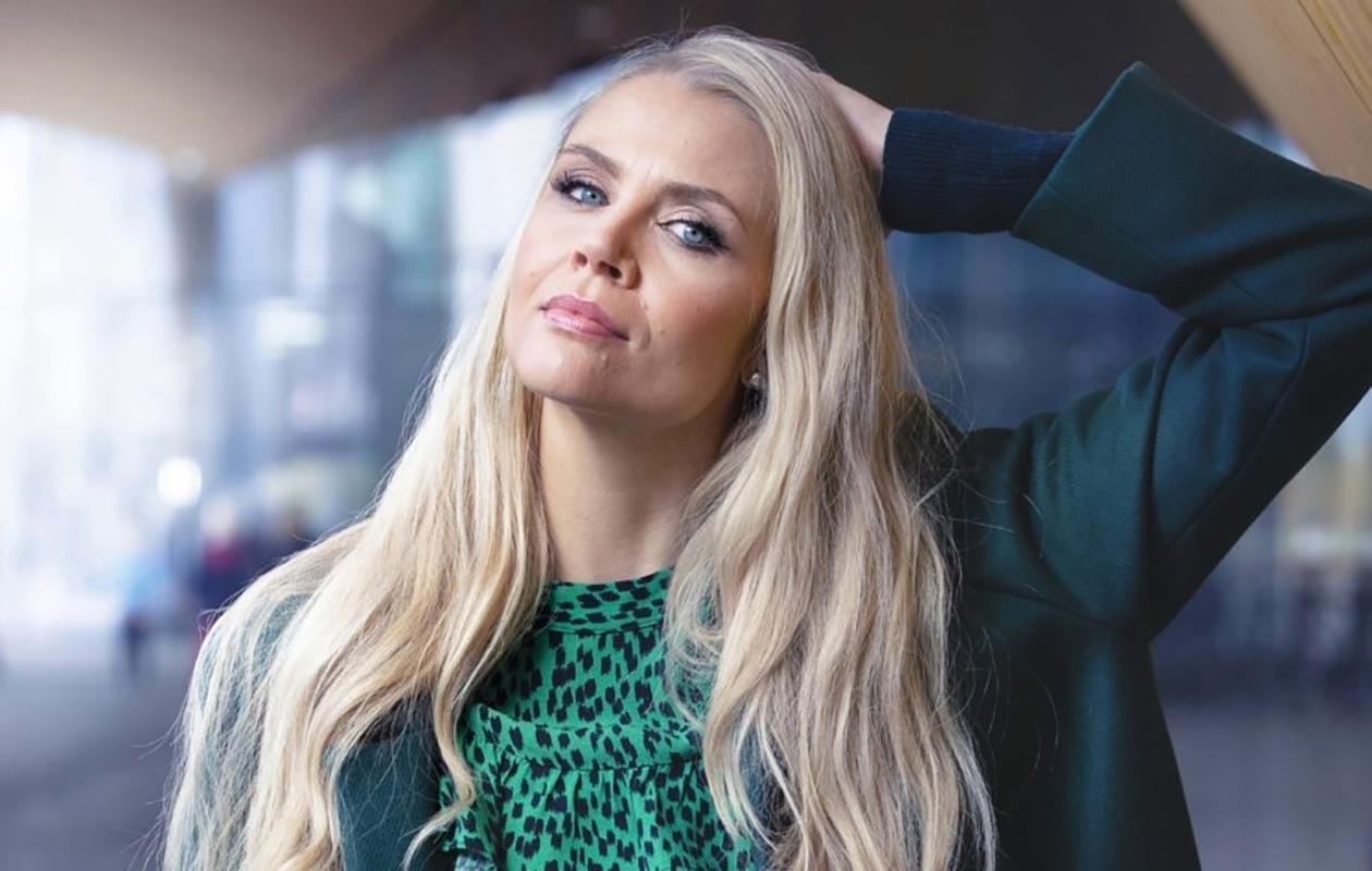 Susanna Laine, 39, juontaa Ylen Kuusijuhla-ohjelmaa jouluaattona. Keväällä hänet nähdään Salatut elämät -sarjassa ja 9.1. alkaen Yle Olohuone -musiikkiohjelmassa.
