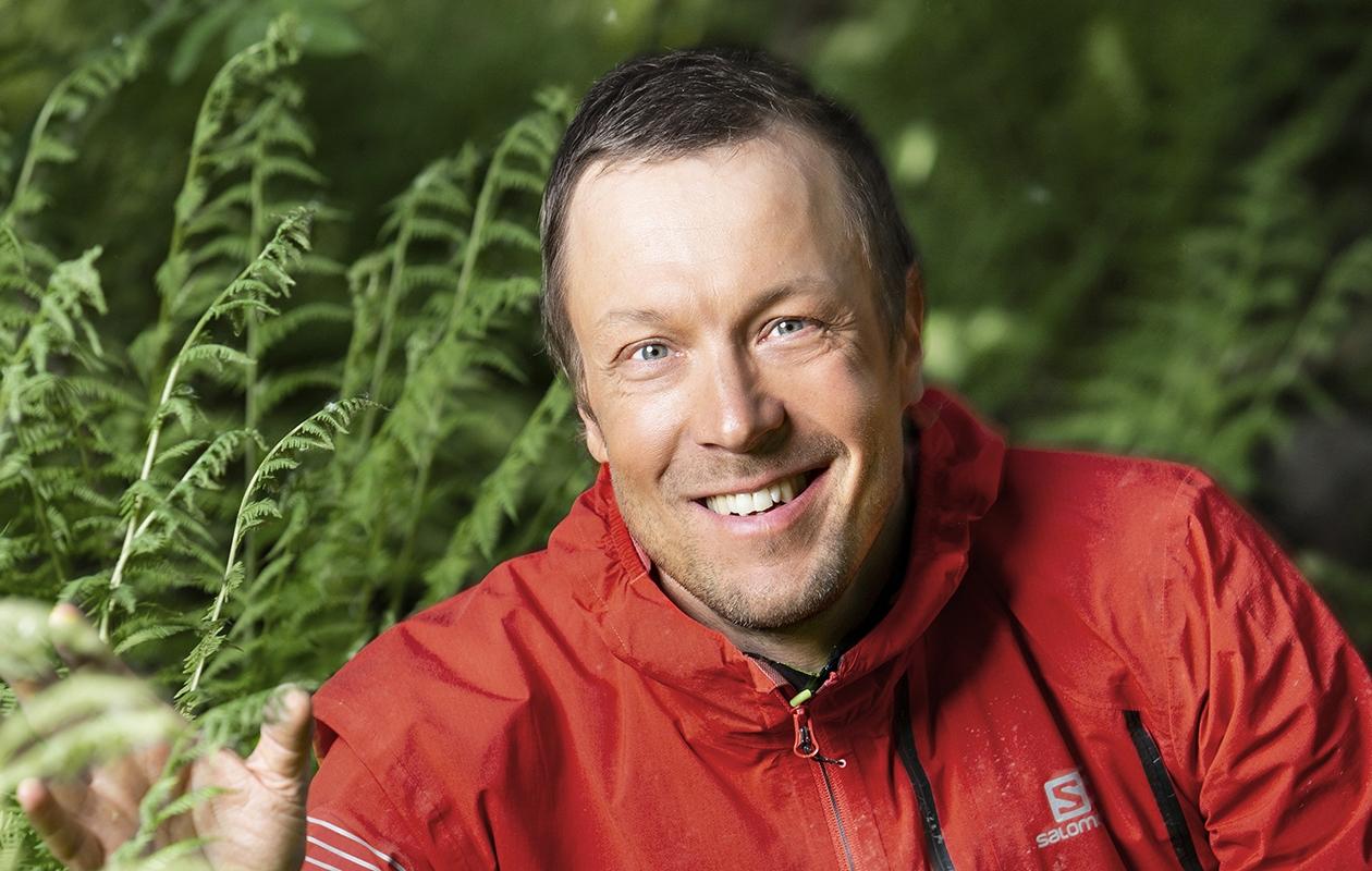 Mikko Peltsi Peltola, 46, toteuttaa luonnossa liikkumiseen liittyviä haaveitaan Ylellä Peltsin toinen luonto -ohjelmassa.