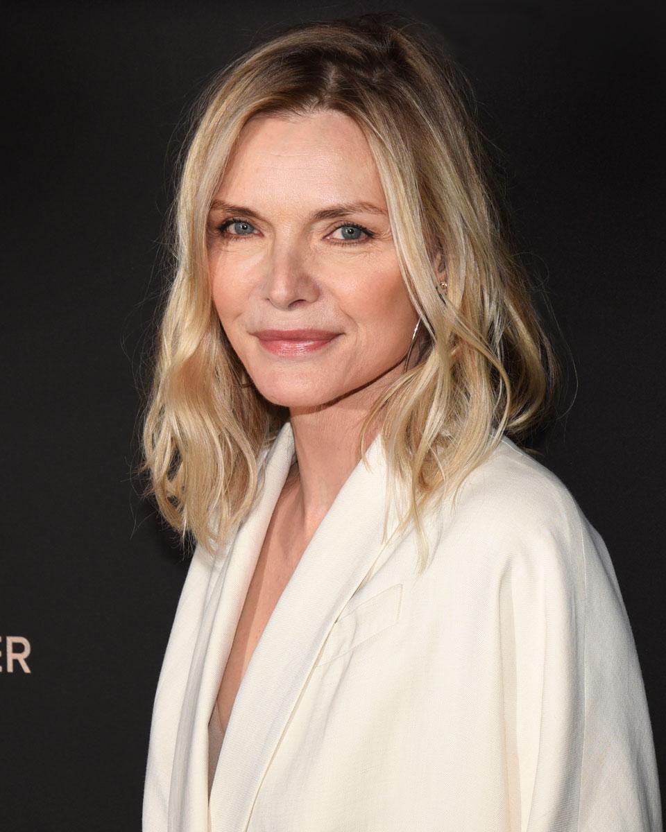 Näyttelijä Michelle Pfeifferin tukka on pohjoismaalaisen hentoinen. Onneksi kerrostuksella saa siihen lisäryhtiä.