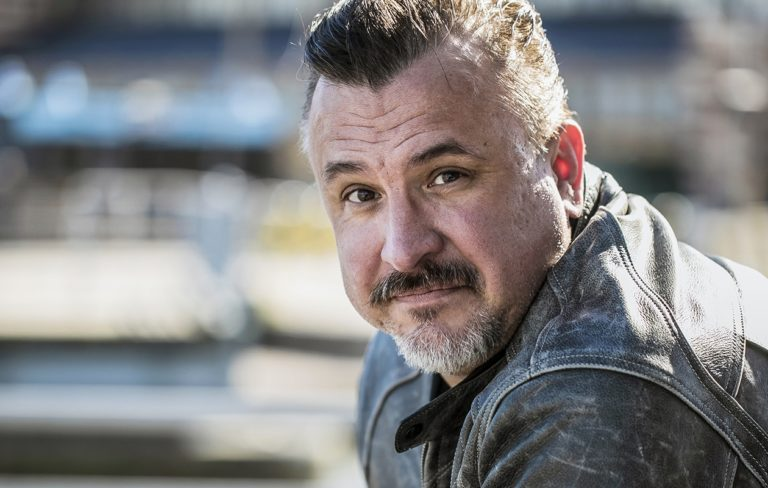 Kristo Salminen, 48, näyttelee Karkurit-draamasarjassa, joka nähdään C More-suoratoistopalvelussa 21.1.2021 alkaen.