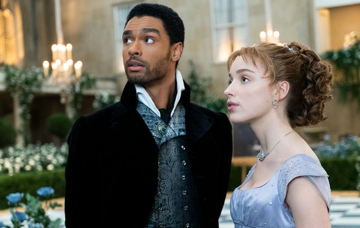 Bridgerton-sarja on noussut kansainväliseksi hitiksi. Kuvassa Hastingsin herttua ja Daphne Bridgerton.