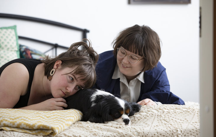 Julianna ja Sam muuttivat syksyllä yhteiseen kotiin.Nuorena Julianna ei halunnut suunnitella tulevaa, mutta nykyään hän huomaa unelmoivansa tulevista asioista, kuten naimisiinmenosta.