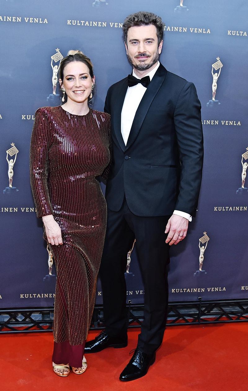 Iina Kuustonen ja puolisonsa Sebastian Rejman Kultainen Venla -gaalassa vuonna 2020.