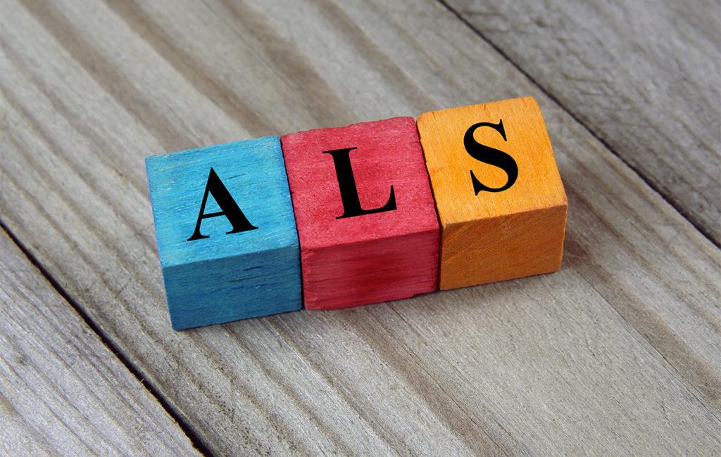 Kirjainpalikoilla muodostettu teksti ALS