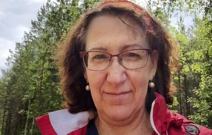 Plastiikkakirurgia muutti Johannan ulkonäköä. Kuvassa Johanna ennenleikkausta.