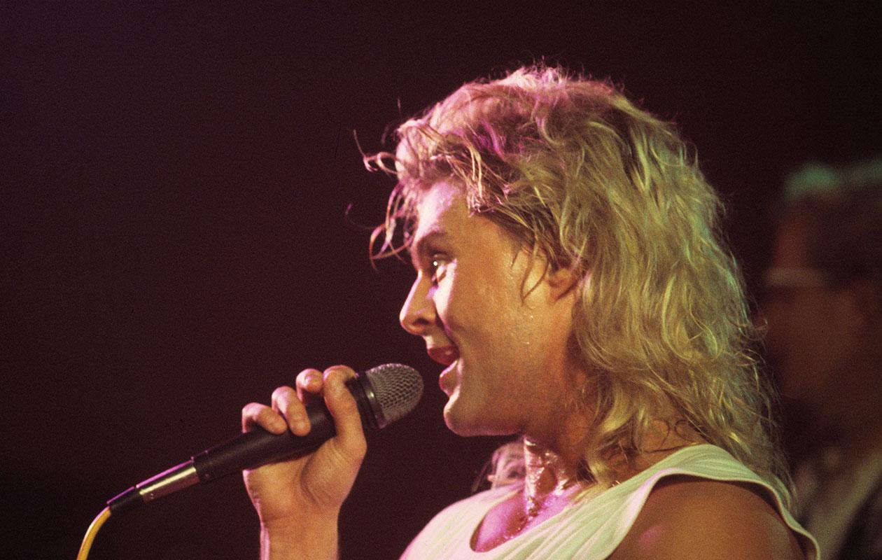 Takatukka on tullut takaisin! Kuvassa laulaja Ressu Redford.