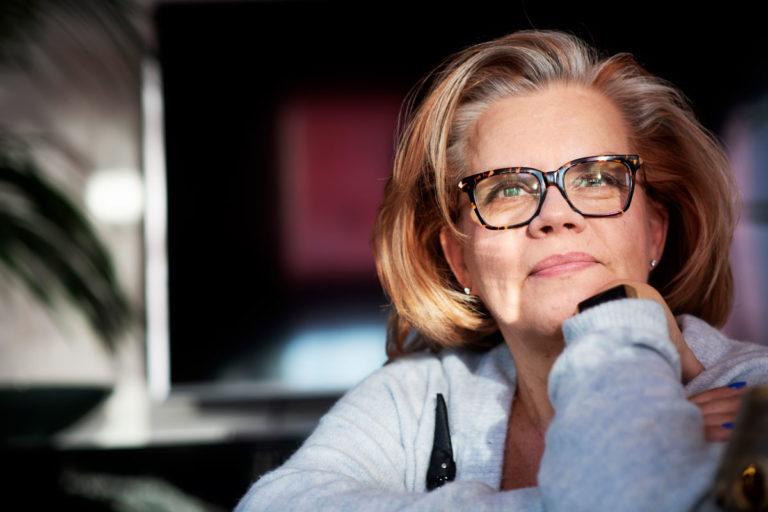Hanna Markku-Kivisilta puhuu Annassa aivoinfarktista.