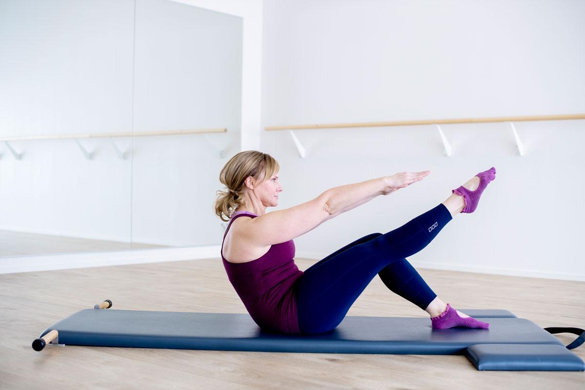 Pilates: liike lisää keskivartalon voimaa