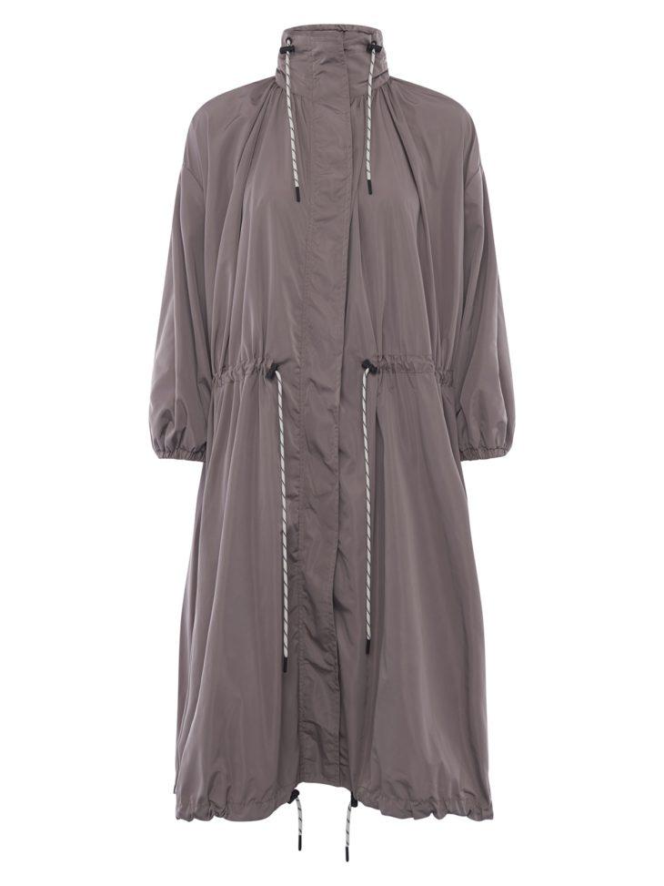 Vuoriton takki saa lisäpisteitä näyttävistä kiristysnauhoista, 240 e, French Connection, koot 34–44. Kuva: M Albertsen
