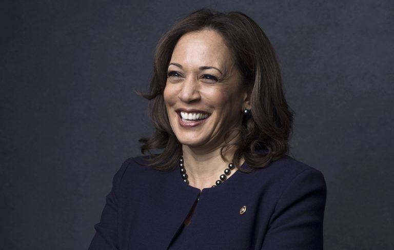 Kamala Harris on USA:n ensimmäinen naispuolinen varapresidentti.