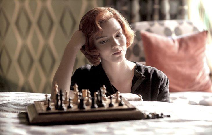 Näyttelijä Anya Taylor-Joy teki punaisesta tukasta hitin.