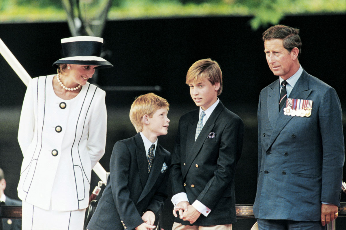Prinsessa Dianan ja prinssi Charlesin onneton avioliitto heijastui myös heidän lapsiinsa Harryyn (vas.) ja Williamiin.