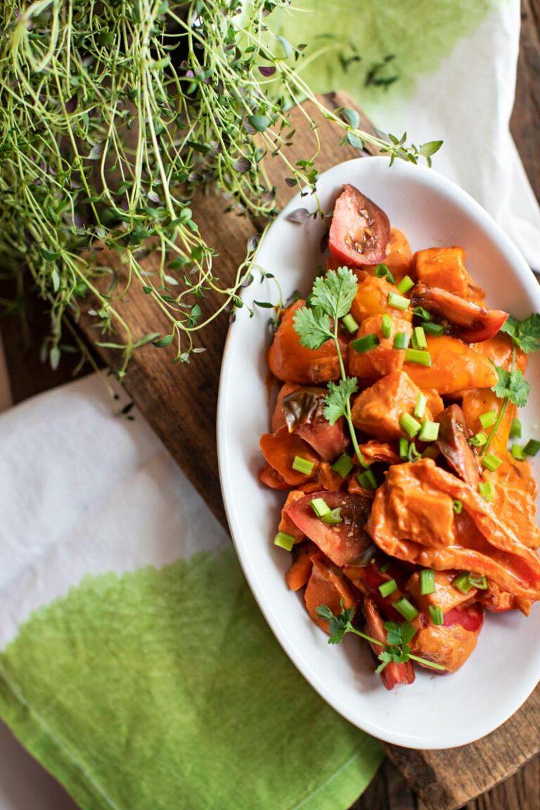 tomaatti-paprika-bataattipannu