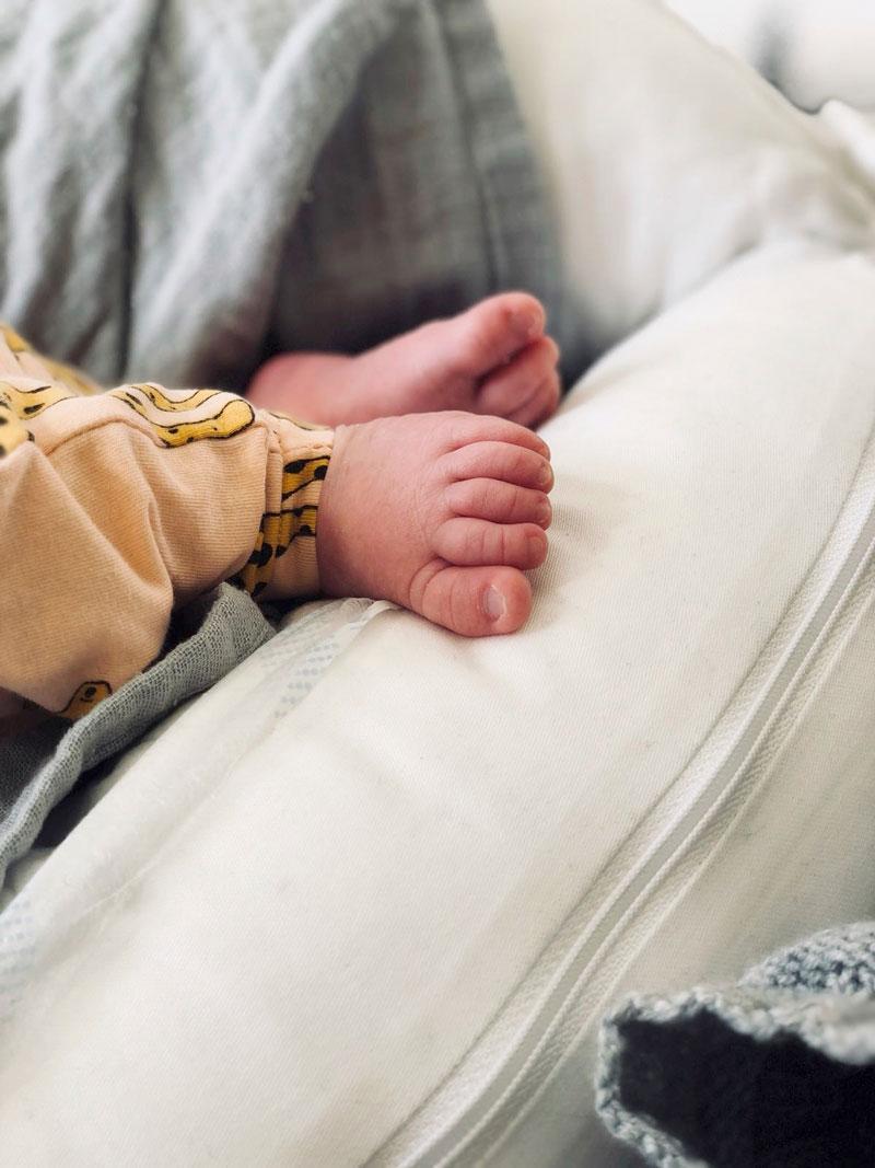 –Lapseni syntymä oli elämäni mullistavin asia, Minka Kuustonen sanoo.