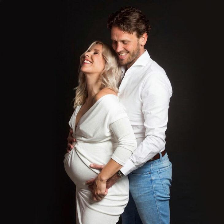 Krista Siegfrids tapasi hollantilaisen Rutgerin kaksi vuotta sitten. Pariskunnan esikoinen Lizzy syntyi marraskuussa 2020.
