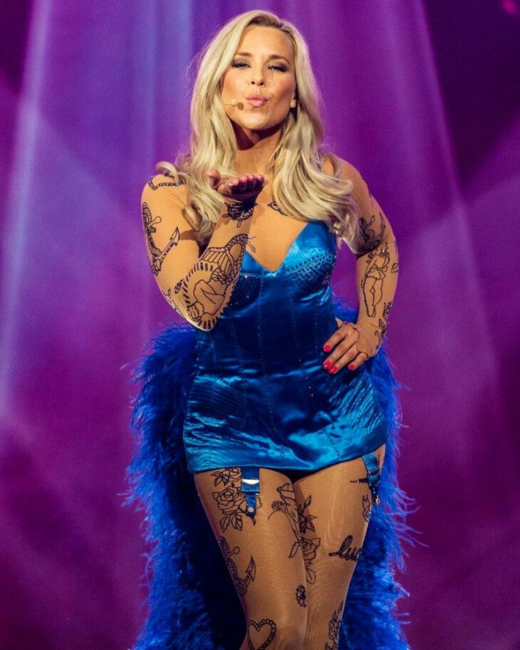 Krista esiintyi UMK:n finaalissa vuonna 2020. – Rakastan muotia, makeita asuja ja korkkareita.