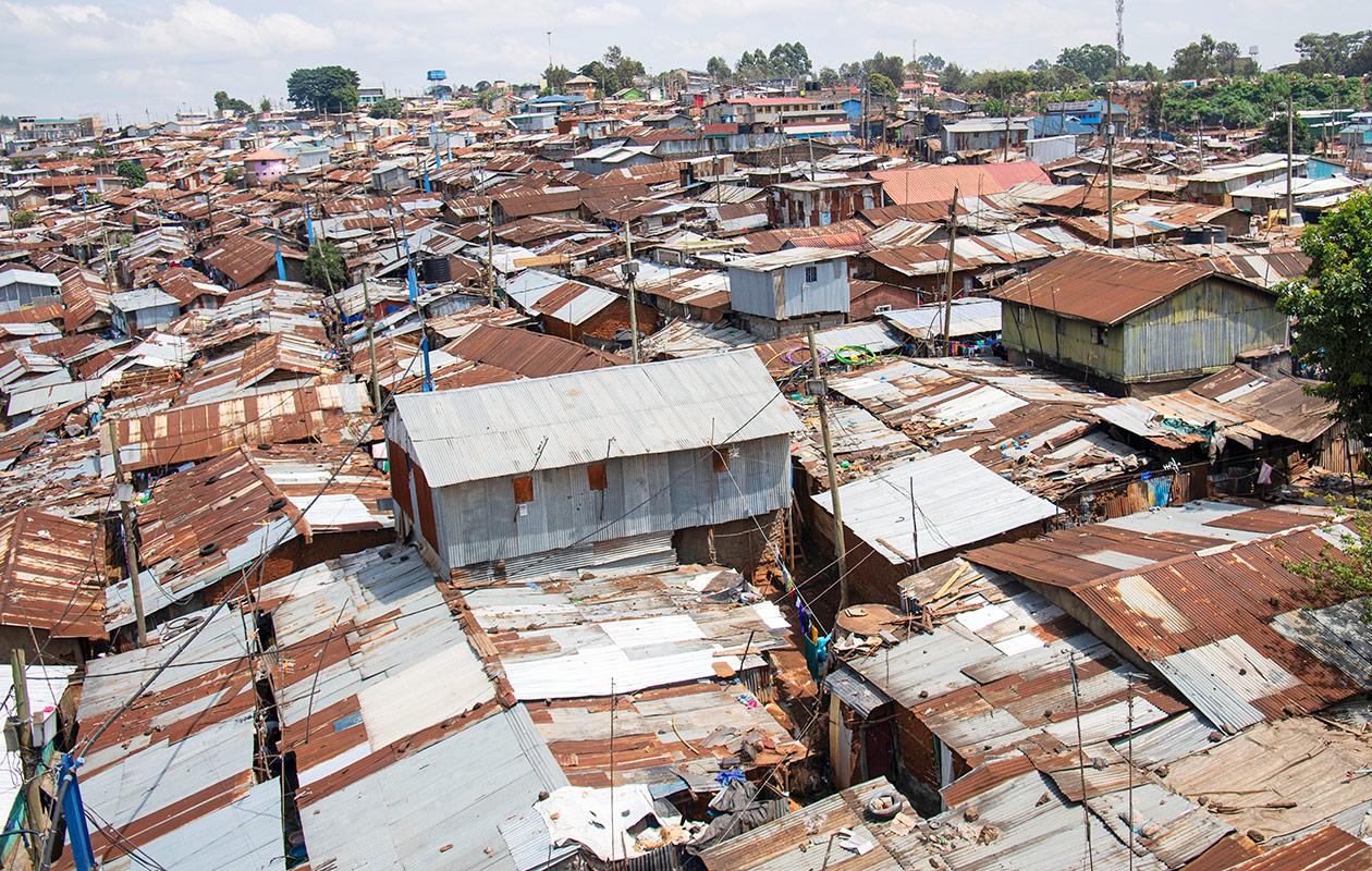 Kibera-slummin kattoja Nairobissa