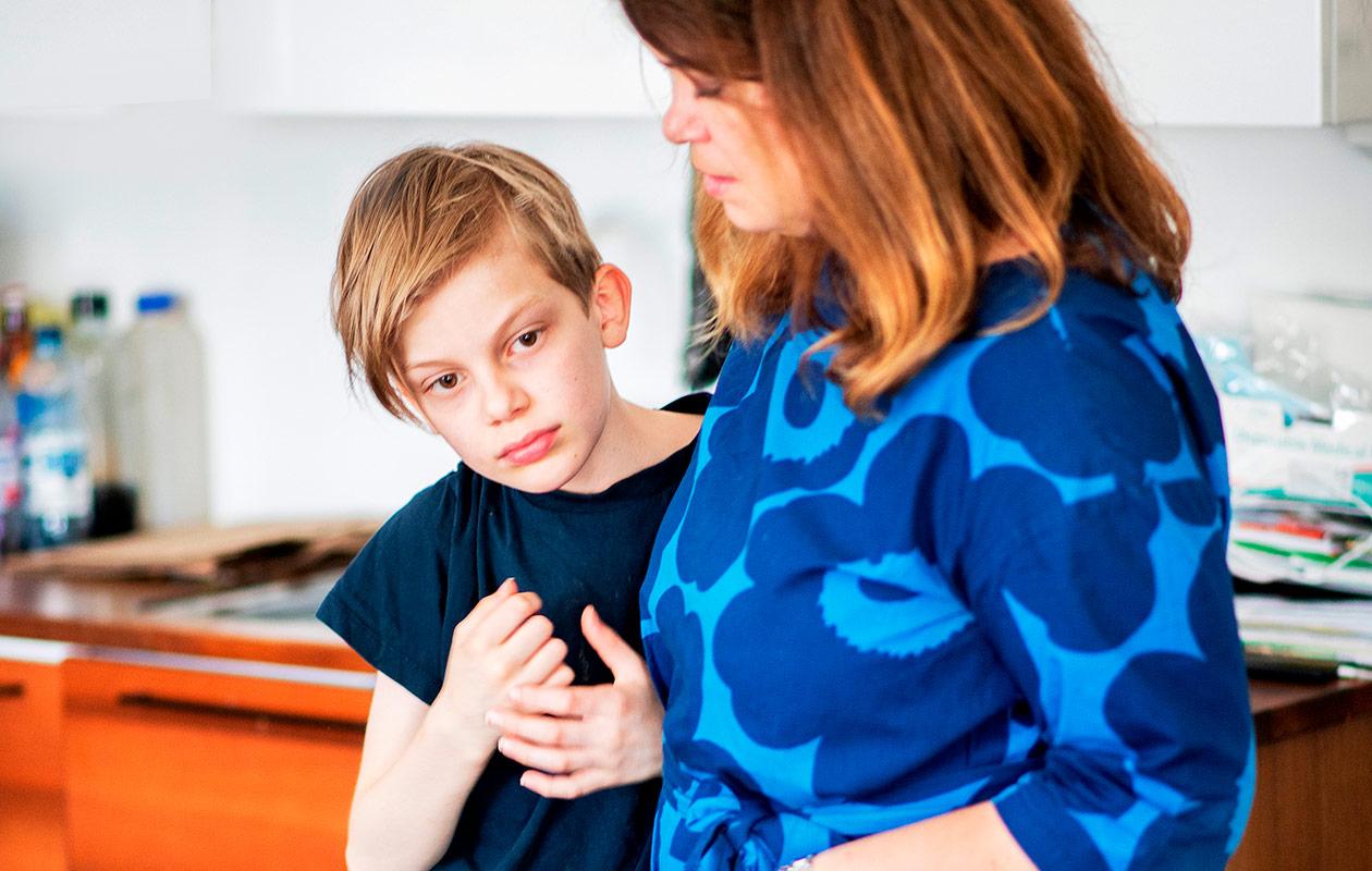 Laura Rissanen ja hänen poikansa Valtteri.