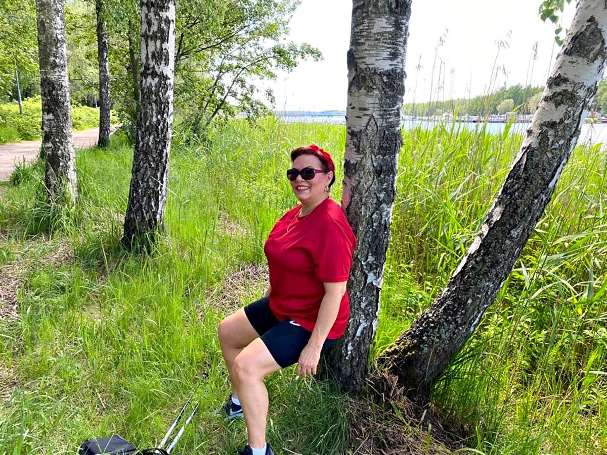 Kesällä Nina Mikkonen viihtyy erityisen hyvin luonnossa.