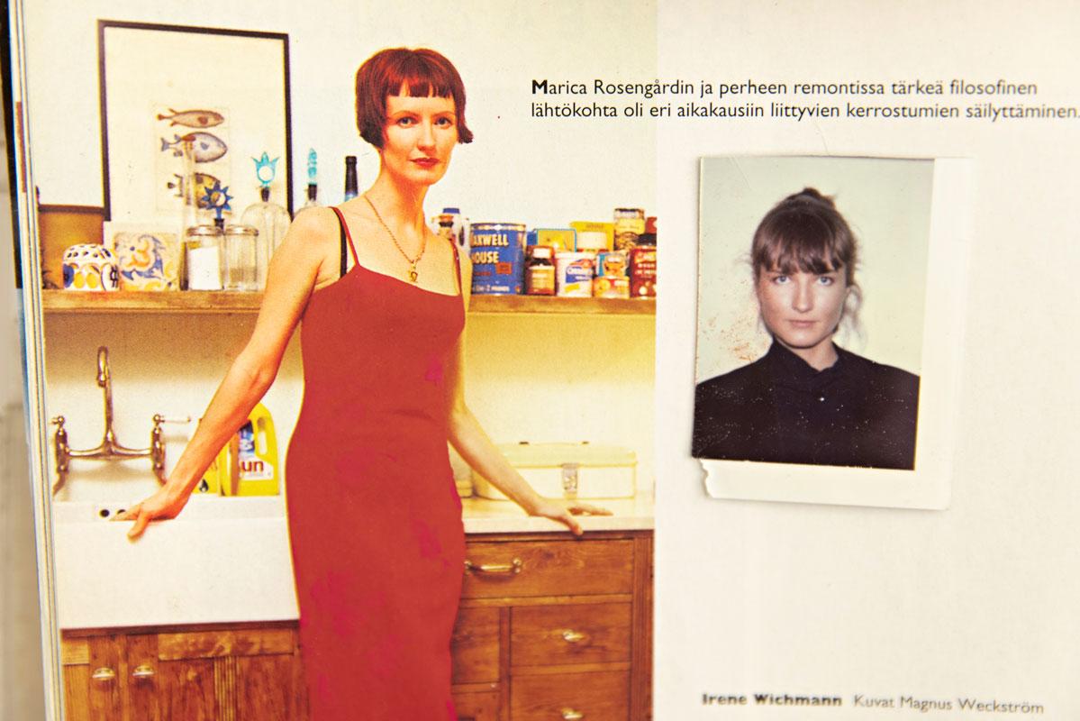 Kaksi kuvaa Maricasta vierekkäin. Toisessa hän seisoo keittiössä, hänellä on punaiset hiukset. Toisessa kuvassa on hän parikymppisenä.