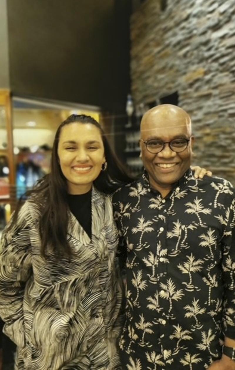 Susani Mahadura isänsä Delshanin kanssa.
