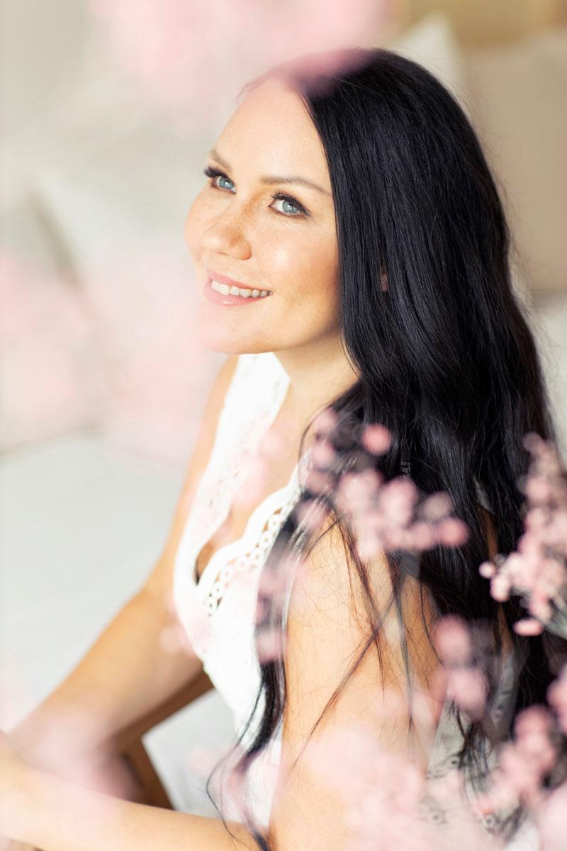 Saija Tuupanen on opetellut meditoimaan ystävänsä kannustamana.