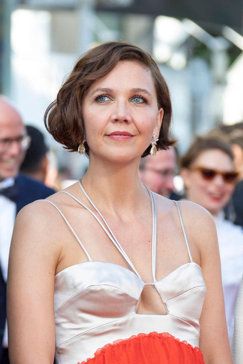 Hiusmallit 2021: Yksinkertainen on kaunista, todistaa Maggie Gyllenhaalin simppeli kampaus.