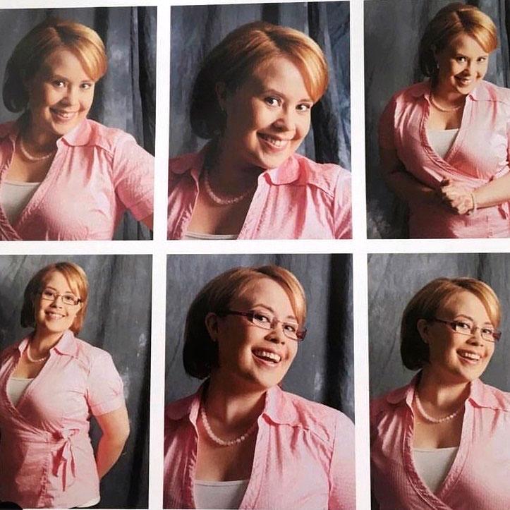 Hannan Salkkari-roolihahmolla Sallalla oli jonkin aikaa vaalea polkkatukka. Nämä kuvat ovat vuodelta 2007.