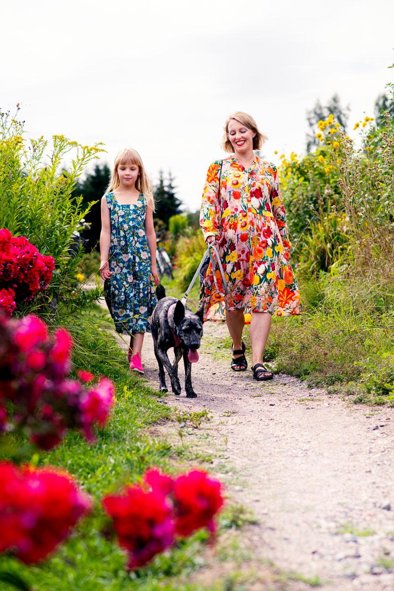 Helsingissä asuvalla Iida Riekolla on puutarhapalsta, jolla hän viettää aikaa tyttärensä Lumin kanssa. Vieno-koira osallistuu kaivamalla kuoppia ja tarkkailemalla citykaneja.