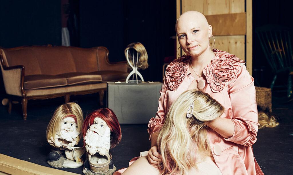 """""""En ajattele, että naiseus olisi kiinni hiuksista"""", sanoo Kati Huovinen."""