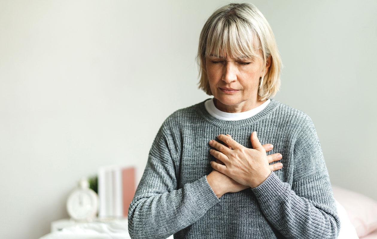 Sydäninfarkti varoittaa itsestään yleensä ennakkoon, mutta oireet ovat usein niin epämääräisiä, ettei niihin välttämättä suhtauduta vakavasti.